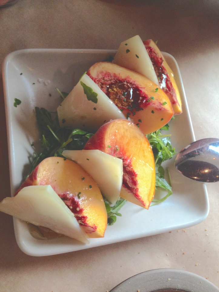 Grilled peaches and manchego